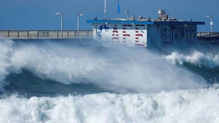 Gelombang Tinggi Capai 4 Meter di Samudra Hindia Selatan Jawa Senin 17 Agustus 2020 Info BMKG