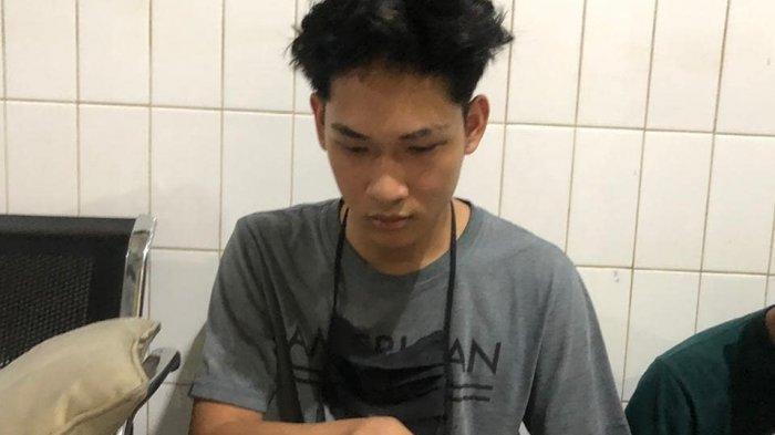 Polisi Sudah Intai Ayah & Paman Ferdian Paleka Sebelum Tangkap YouTuber Kontroversi